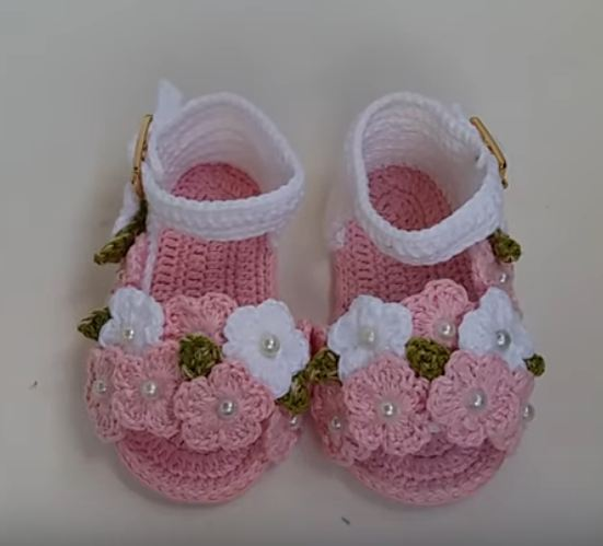 Crochet Baby Girl Sandals With Flowers
